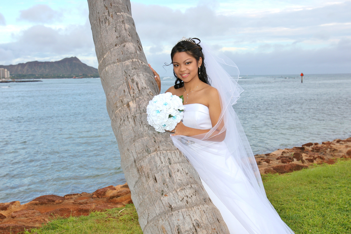 Gorgeous Hawaii Bride
